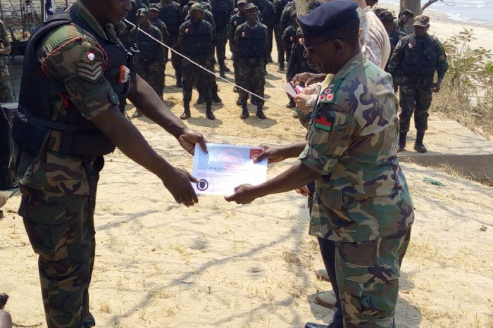 US NAVY Seal Trains With Malawi Marine Soldiers