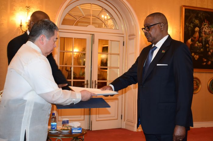 Five Envoys Presents Letters Of Credence To Mutharika