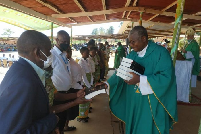 Catholics Advised To Be Bible Readers