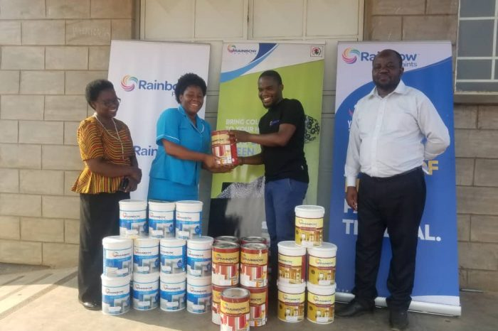 Rainbow Paints Donates Paint To Salima Hospital